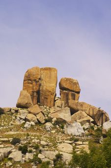 Free Low Angle View Of Rock Formations On Top Of A Hill Royalty Free Stock Photography - 1534297