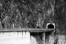 Free Mountain Tunnel Royalty Free Stock Photos - 1536158