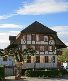 Free Old Swiss House 8 Royalty Free Stock Photos - 1537908