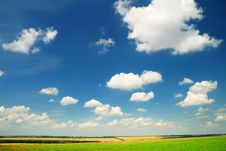 Free Summer Landscape With The Beautiful Sky Royalty Free Stock Photos - 15300378