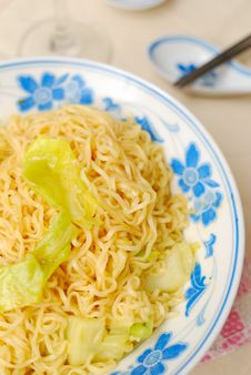 Free Simple Oriental Noodles Royalty Free Stock Images - 15304509