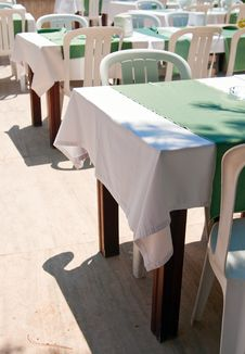 Free Outdoor Restaurant Stock Photography - 15304572