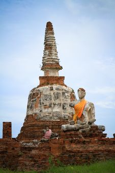 Ruin Buddha With The Old Pagoda Stock Images
