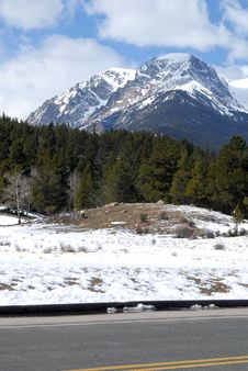 Free Majestic Peak Royalty Free Stock Image - 15310316
