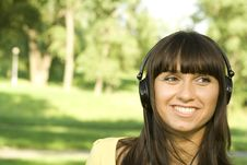 Free Young Woman Listening To Music Royalty Free Stock Images - 15322539