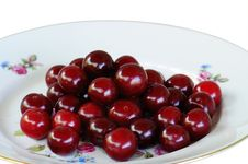 Free Juicy Cherries Lay On A Plat Royalty Free Stock Image - 15324966