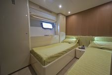 Free Luxury Yacht Continental 80, Guests Bedroom Royalty Free Stock Photography - 15326597