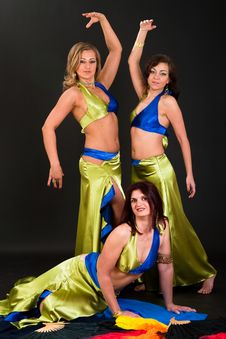 Free Belly Dancers Stock Images - 15328834