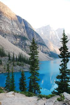 Free Moraine Lake Stock Photography - 15329042