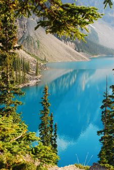 Free Moraine Lake Royalty Free Stock Image - 15329216