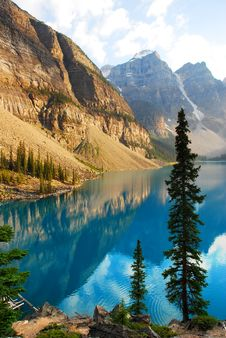 Free Moraine Lake Stock Photo - 15329340