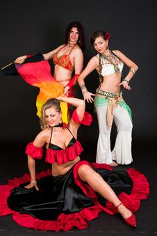 Free Belly Dancers Royalty Free Stock Image - 15329736
