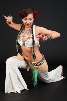 Free Belly Dancer Royalty Free Stock Images - 15329789