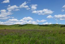 Free Beautiful Landscape In Grassland Royalty Free Stock Photography - 15332817