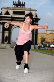 Free Woman Modern Dancer In City Royalty Free Stock Image - 15335926