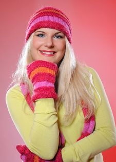 Free Portrait Of Pretty Woman In Hat And Gloves Royalty Free Stock Photo - 15336325