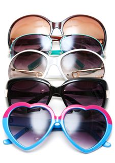 Free Much Sunglasseses Put In Row Stock Photography - 15336402