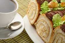 Free Sweet Rolls And Cup Of Coffee Royalty Free Stock Image - 15336796
