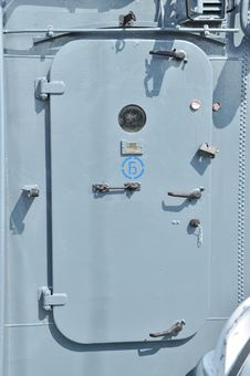 Free Metallic Door Of The Marine Ship Stock Photo - 15340060
