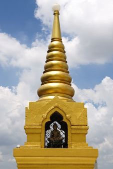 Free Golden Mountain Pagoda Royalty Free Stock Image - 15340156