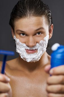 Handsome Man Shaving Royalty Free Stock Image