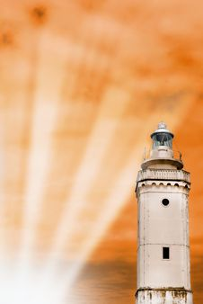 Free Lighthouse Lighten By The Sun Royalty Free Stock Photos - 15343378