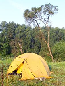 Free Yellow Tent Stock Photography - 15350352