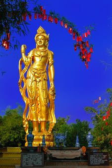 Free Bodhisattva Avalokitesvara (Kuan-Yin) Royalty Free Stock Images - 15352549