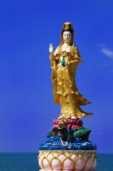 Free Bodhisattva Avalokitesvara (Kuan-Yin) Stock Photography - 15352662