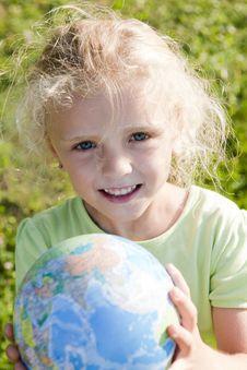 Free Little Girl Holding Globe Royalty Free Stock Photos - 15352748