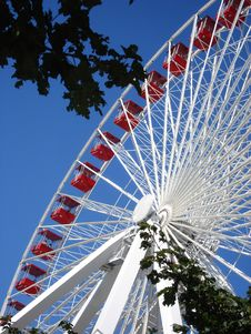 Free Ferris Wheel With Blue Sky Royalty Free Stock Images - 15362759