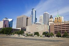 Free Buildings In Minneapolis Royalty Free Stock Photo - 15363475