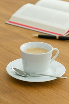Free White Coffee Cup In A Business Setting Royalty Free Stock Photos - 15363998