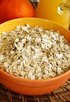 Free Oats In Bowl Stock Images - 15364404