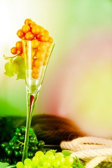 Free Grapes In An Glass Stock Image - 15365581