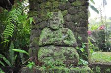 Free Old Mossy Guardian Stone Statue Stock Photo - 15366920