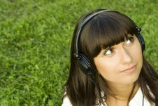 Free Young Woman Listening To Music Stock Image - 15367781