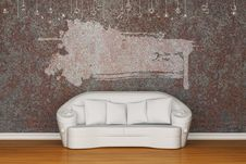 Free White Sofa With Grunge Frame Stock Photo - 15368220
