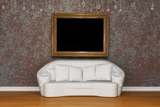 Free White Sofa With Antique Frame Royalty Free Stock Images - 15368249