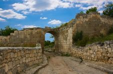 Free The Street Of The Medieval Fortress Stock Photos - 15373013