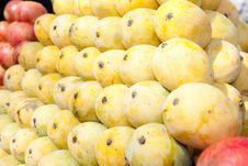 Free Fresh Organic Mango For Sale At A Market Stock Photos - 15373513