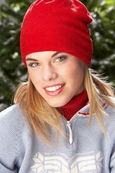 Free Teenage Girl Wearing Knitwear In Studio Royalty Free Stock Images - 15375029