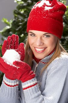 Free Teenage Girl Wearing Knitwear In Studio Stock Photo - 15375100