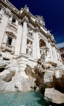 Free Trevi Fountain In Rome, Italy Royalty Free Stock Image - 15377306
