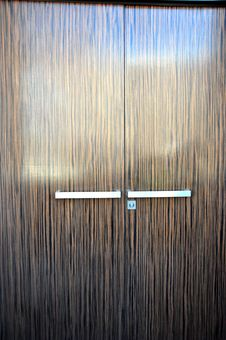 Free Wooden Door Royalty Free Stock Image - 15382436
