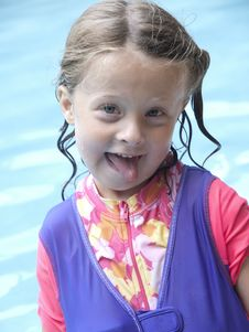 Free Little Girl Funny Face Royalty Free Stock Image - 15384226