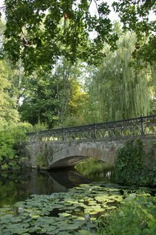 Bridge In The Park Royalty Free Stock Photos