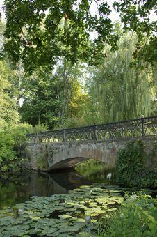 Free Bridge In The Park Royalty Free Stock Photos - 15389478