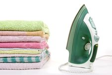Free Iron And Towels Royalty Free Stock Photos - 15389708
