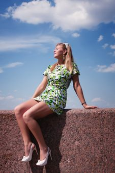 Free Beautiful Girl Resting Royalty Free Stock Images - 15399199